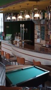 Cafeteria y billar